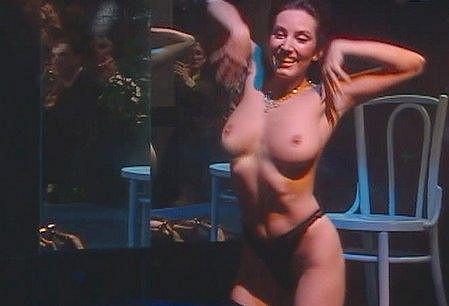 Hasprová už jednou ukázala prsa ve filmu Všetci ľudia budú bratia.