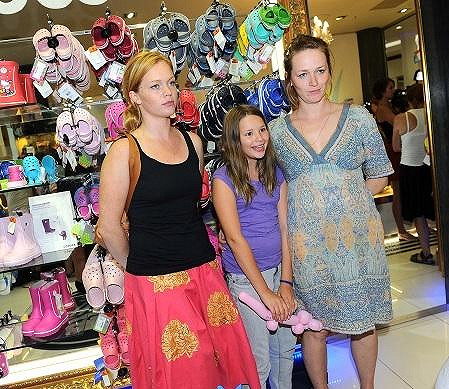 Ester Geislerová s nejstarší sestrou Lelou a neteří.