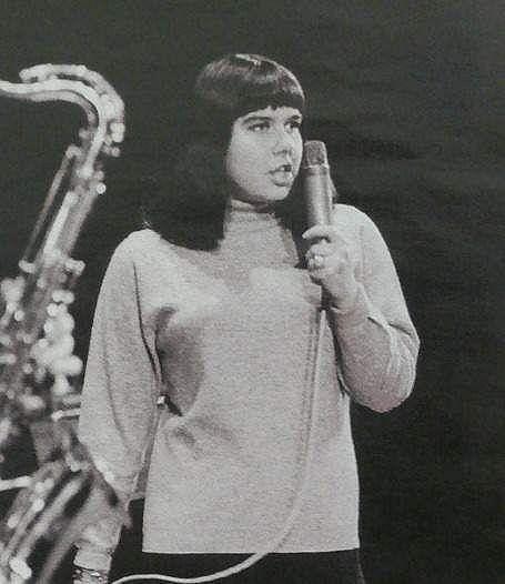Yvonne Přenosilová zpívá odmala.