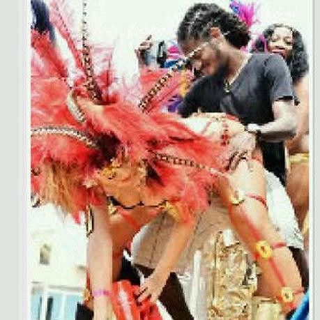 Rihanna s Negusem Sealym na snímku horší kvality.