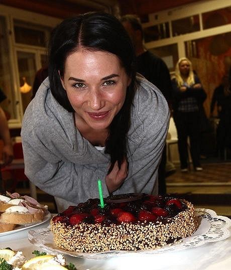Svíček na dortu naštěstí nebylo třicet.