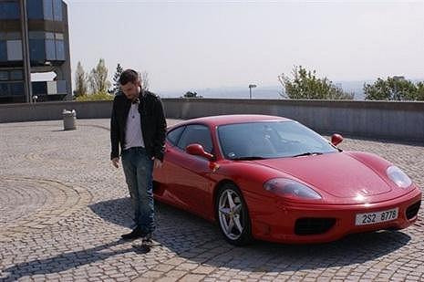 Leoš Mareš chce svou Ferrari Modenu 360 vyměnit za Lamborghini Aventador LP700-4.