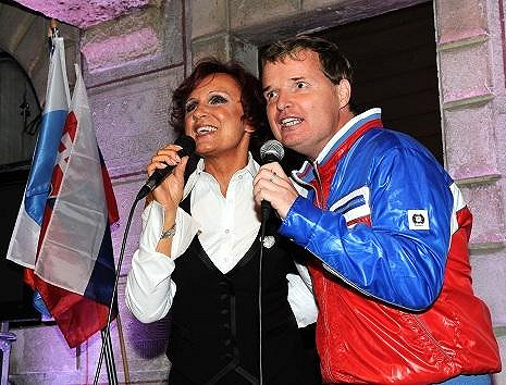 Petra zpívala duet Jedeme dál s Martinem France.