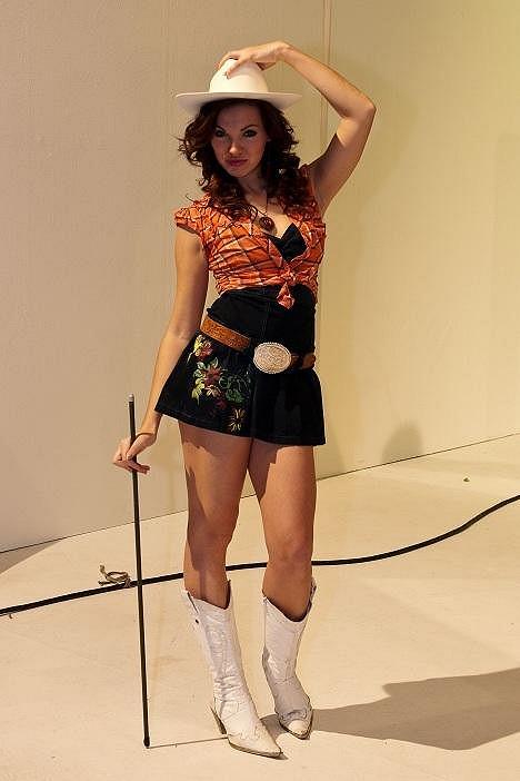V klipu si zahrála i Kamila Nývltová.