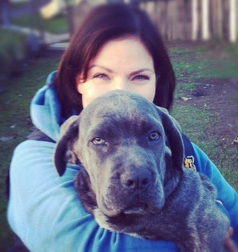 Anna K. s milovanou fenkou, která má rakovinu vaječníků.