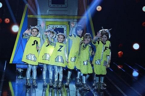 Jumbochicks je skupina ulítlých malých tanečnic.
