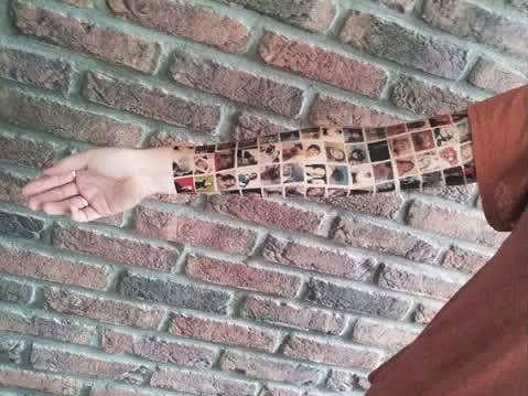Žena si údajně nechala vytetovat na ruku své nejbližší přátele z Facebooku.