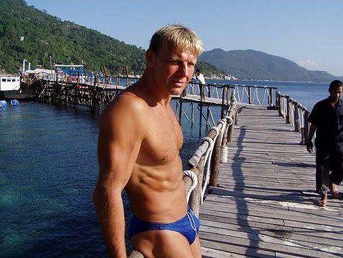 Martin Maxa v titěrných plavečkách.