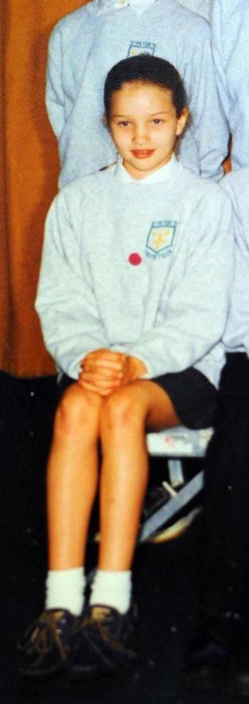 Školačka Rosie Huntington-Whiteley v roce 1994.