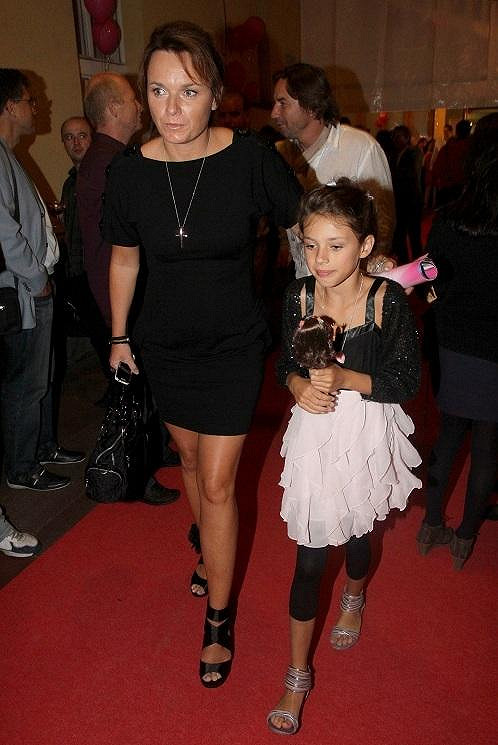 Bára Munzarová s dcerou Aničkou.