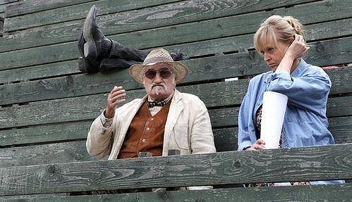 Dita Kaplanová ve své nejnovější filmové roli. S Pavlem Landovským v komedii Westernstory.