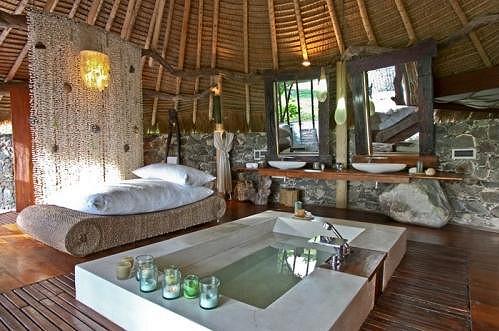 I když je vila přímo spojená s okolní přírodou, luxusní vybavení je samozřejmostí.