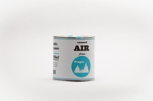 Místo pohlednice si dnes můžete koupit plechovku se vzduchem.