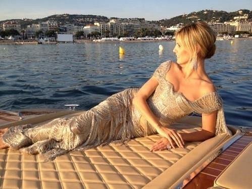 Heidi Klum pozorovala Cannes z luxusní jachty.