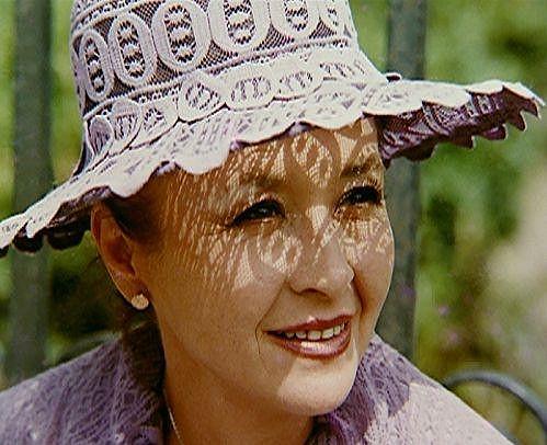 Karolína s oblíbenou pokrývkou hlavy.