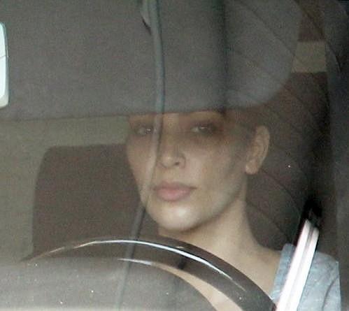 Kim Kardashian odjíždí z posilovny.