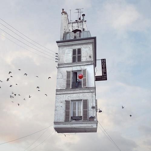 Nebylo by to krásné vidět na nebi vznášející se domy?