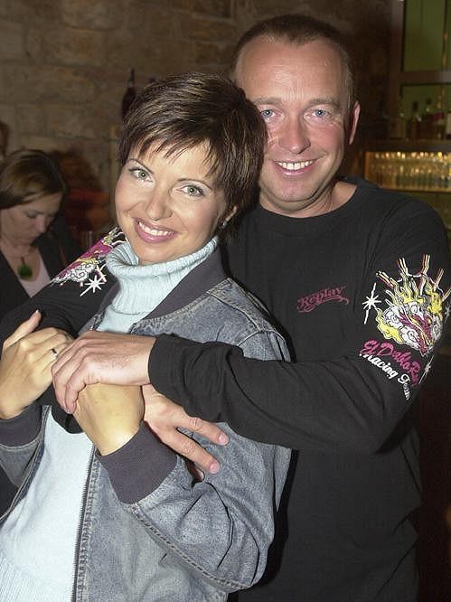 Markéta Fialová moderovala Televizní noviny s Karlem Voříškem.