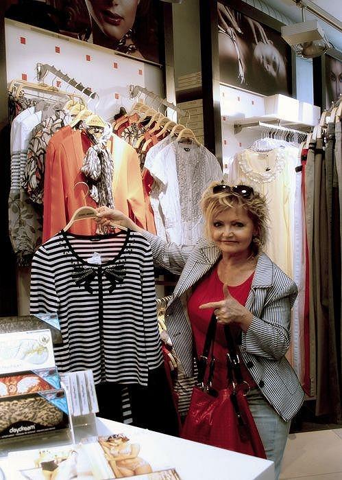 Eva Hrušková si stihla i nakoupit.