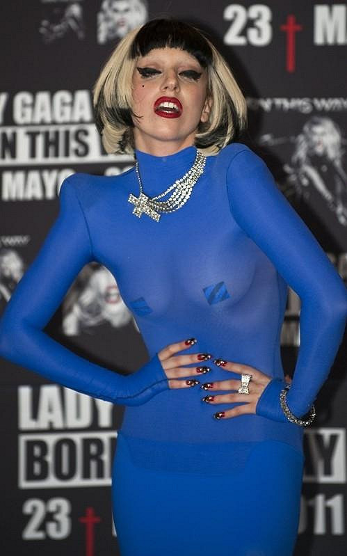 V Mexiku šokovala tímto modrým modelem.