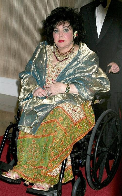 Ještě před pěti lety měla Elizabeth Taylorová kypré tvary.