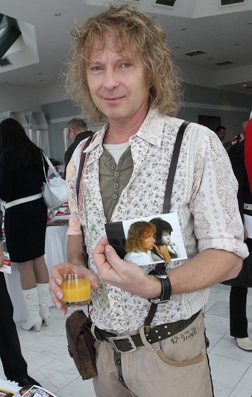 Klaudii fotografoval i Peter Nagy.
