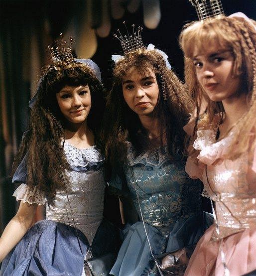 S Barborou Leichnerovou a Monikou Kvasničkovou v pohádce Honza a tři zakleté princezny (1984).