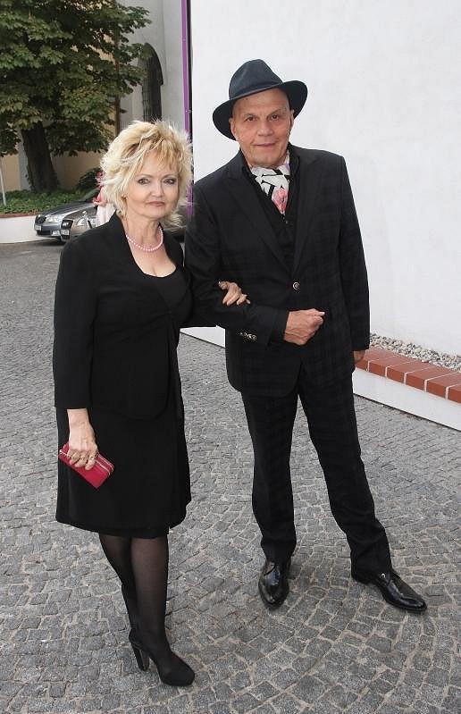 Jan Přeučil a Eva Hrušková zvolili černou barvu.