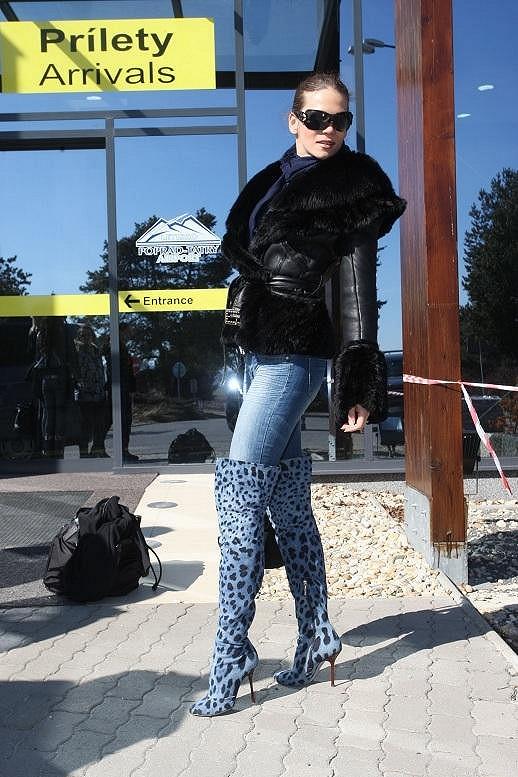 Andrea na letišti.