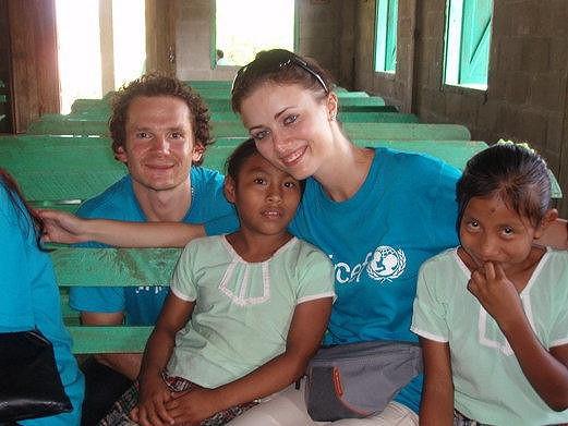 Patrik Eliáš s manželkou Petrou a chudými dětmi.