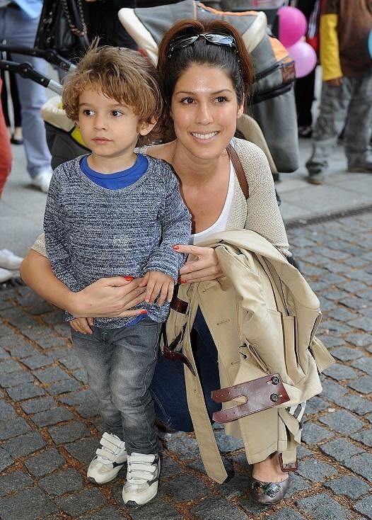 Zpěvačka Victoria s čtyřletým synem Davidem Alexandrem.