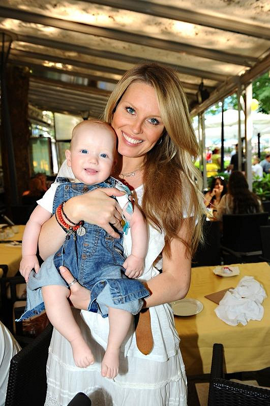 Simona Krainová se synem Maxem