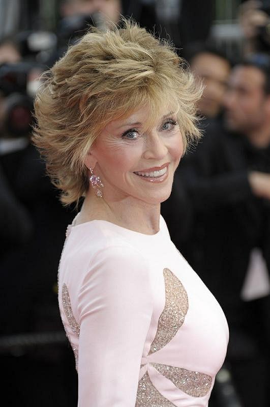 Bývalá představitelka sexy Barbarelly je stále stejně krásná.