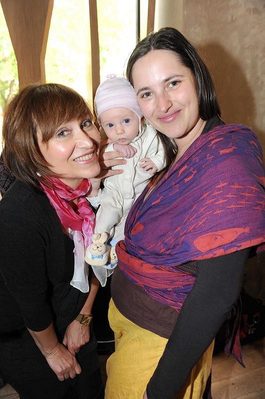Petra Černocká s dcerou Bárou a vnučkou Olivií Coco.