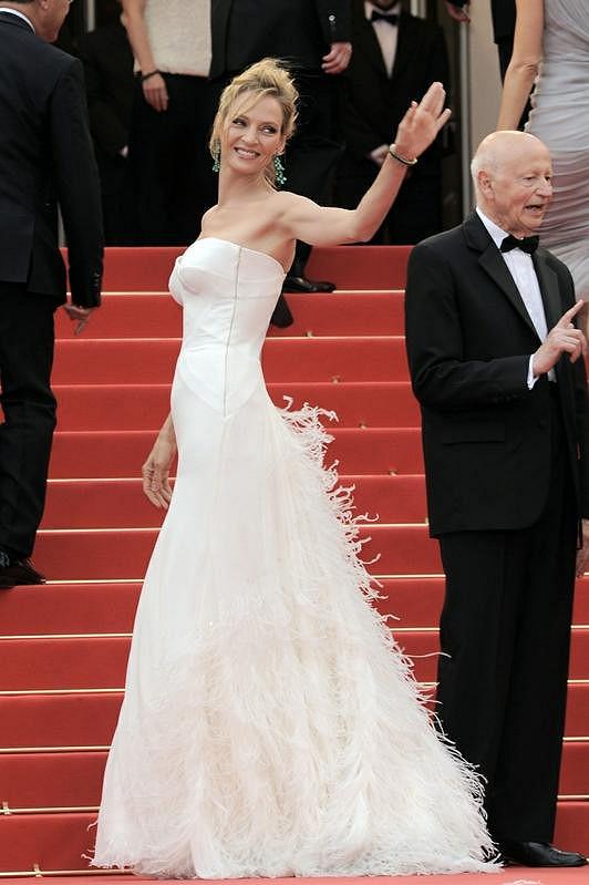 Překrásné šaty si oblékla i Uma Thurman.
