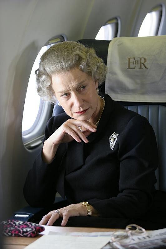 Helen Mirren jako královna Alžběta II. ve filmu z roku 2006.
