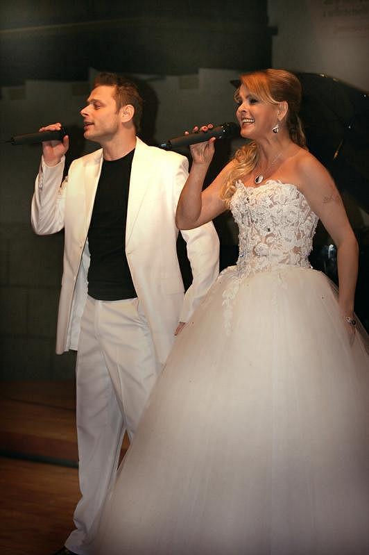 Jarek Šimek a Iveta Bartošová.