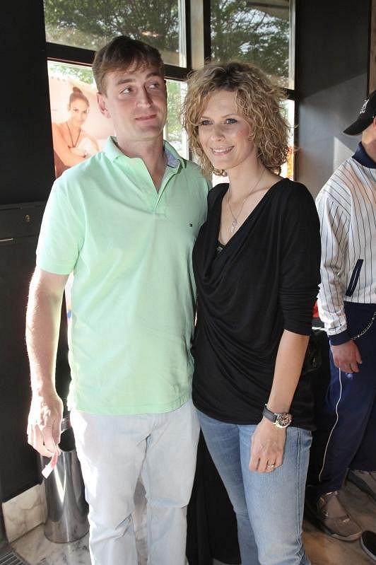 Kateřina Stočesová dorazila s partnerem Alešem Kocem.