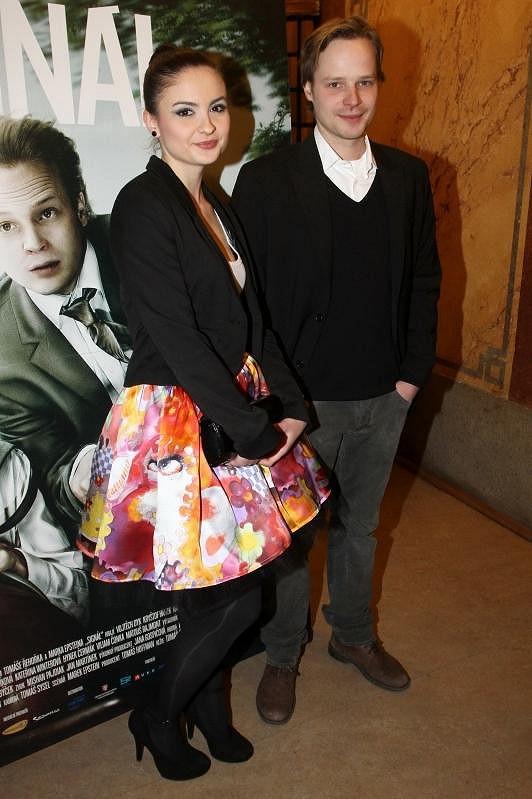 Eva po boku svého hereckého kolegy Kryštofa Hádka.