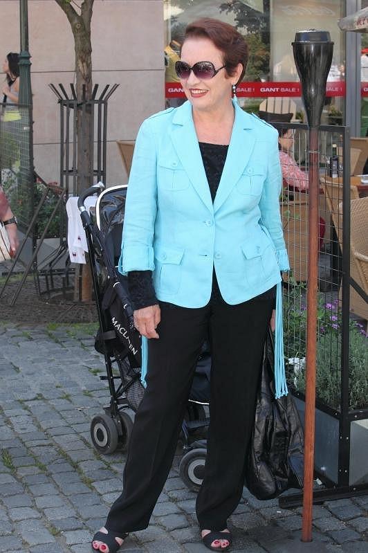 Hana Maciuchová je elegantní dáma.