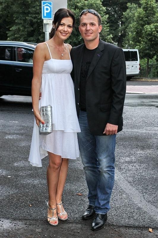 Jana Doleželová se snoubencem Richardem Podroužkem.