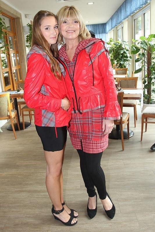 Věra Martinová se svou dcerou Anežkou.