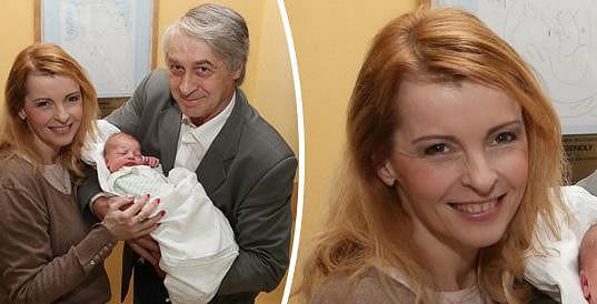 Iveta Bartošová se s miminkem zvěčnila krátce před ní.