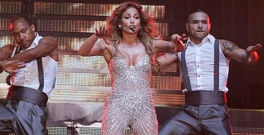 Jennifer Lopez ze sebe při koncertech vydá všechno.