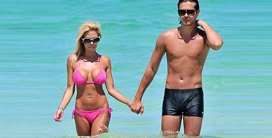 Bývalá Playmate s exmanželem Laurentem Homburgerem.