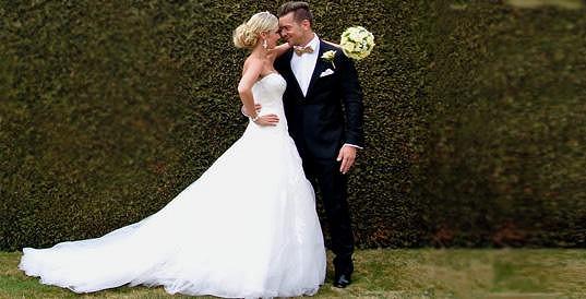 Z krasavce z reality show Big Brother Filipa Trojovského je už ženáč.