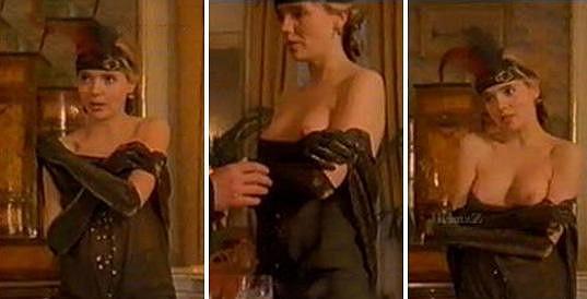 Lucie Vondráčková se nebála vyzývavě odhalit ve filmu Ta třetí.