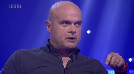 Jaro Slávik byl hostem v kontroverzní Nečum na mě show. S otázkami se zdatně popasoval.
