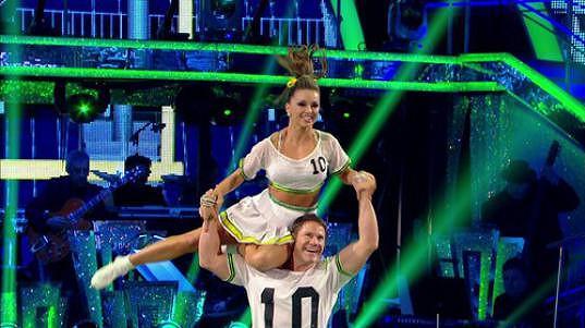 Ola Jordan momentálně v taneční soutěži působí se Stevem Backshallem. Do finále jej ale nejspíš kvůli zranění doprovázet nebude.