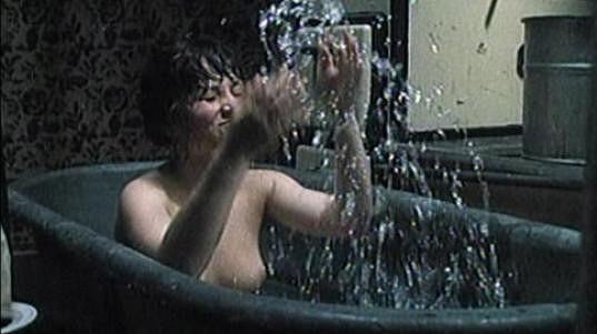Alena Mihulová ve filmu Sestřičky.